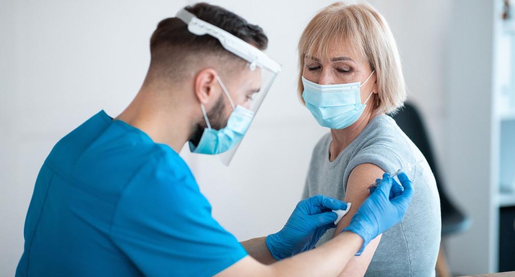 Viele weitere Menschen sind ab sofort impfberechtigt ...